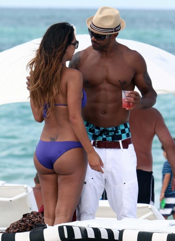 Shemar Moore en charmante compagnie à Miami, le 3 juillet 2012.