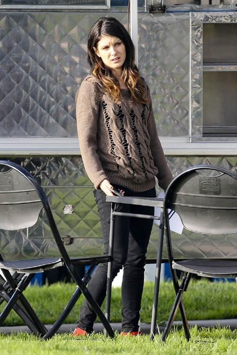Shenae Grimes sur le tournage de 90210 à Venice Beach le 7 décembre 2012