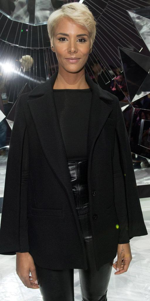 Shy'm présente son nouveau look lors de la Fashion Week parisienne, le 4 octobre 2016