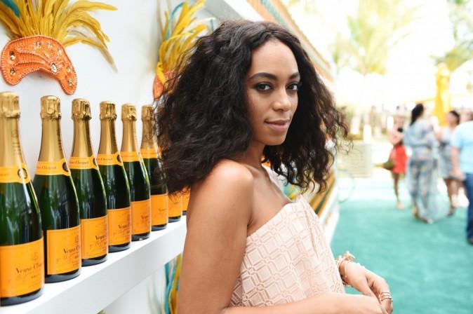 Solange Knowles : pendant que Beyonc� brillait aux Grammys, elle faisait son carnaval � Miami !