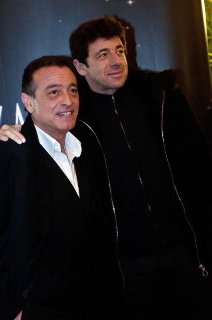 Patrick Bruel et Félix Gray lors de la première de Shéhérazade - Les Mille et une Nuits, le 6 décembre à Paris.