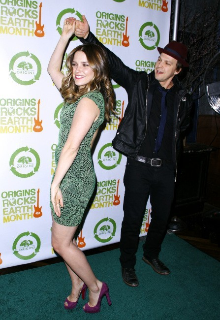 Sophia Bush et Gavin DeGraw lors du concert Origins Rocks Earth Month à New York, le 18 avril 2012.