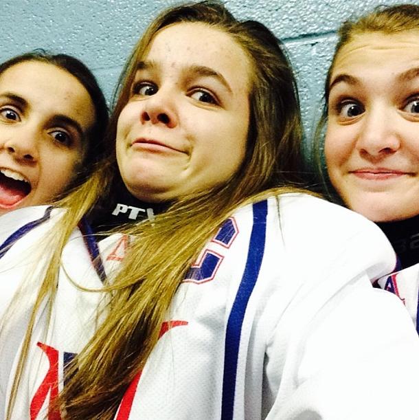 Sophie Nélisse joue dans une équipe de hockey sur glace au Canada !