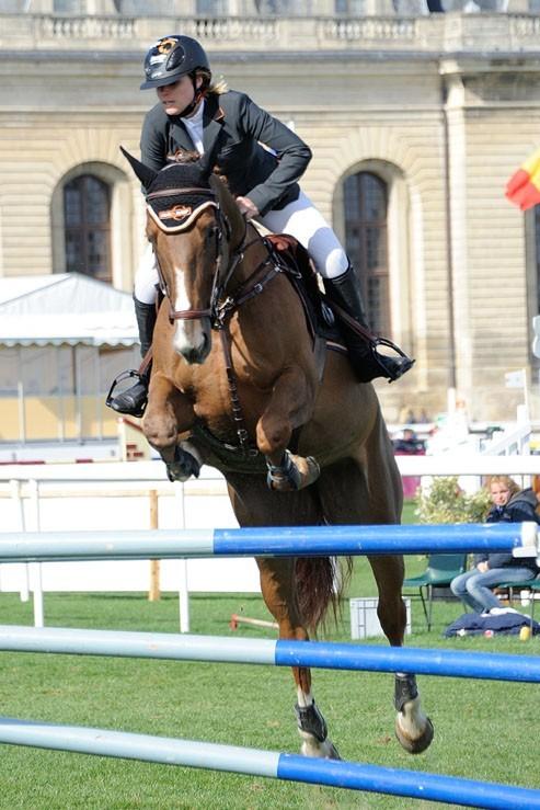 Sophie Tapie au concours de saut d'obstacles de Chantilly le 20 avril 2013
