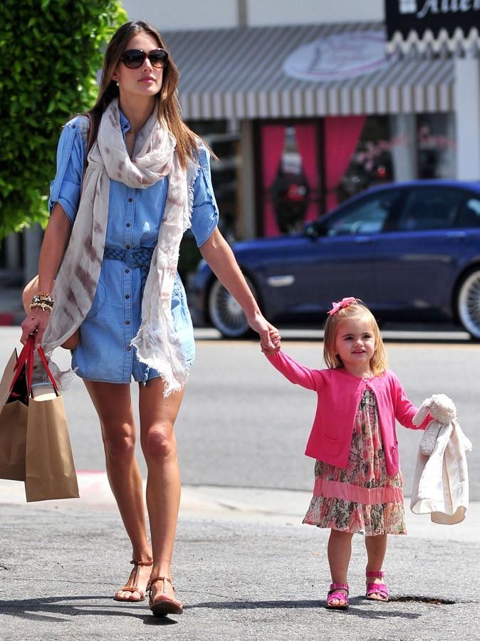 La fille d'Alessandra Ambrosio a l'air d'une vraie petite fille sage
