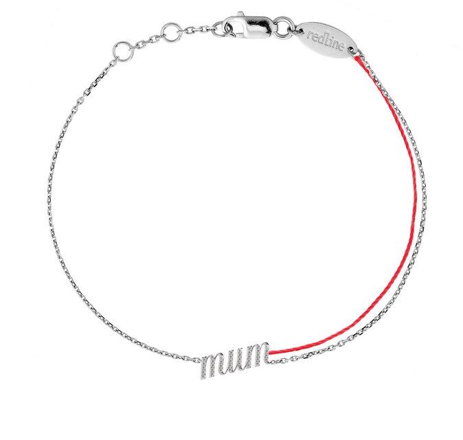 Un bracelet en argent Redline