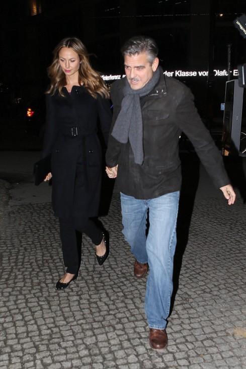Stacy Keibler et George Clooney à Berlin le 16 mars 2013