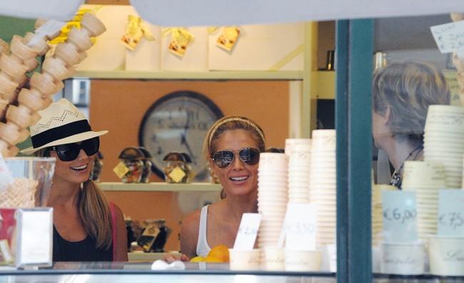 Stacy Keibler et Torrie Wilson, Côme, 2 Aout 2012