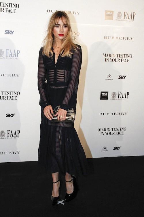 Photos : Suki Waterhouse : fatale, la copine de Bradley Cooper joue la transparence !