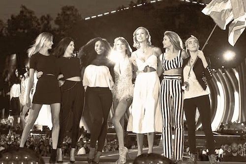 Photos : sur scène, Kanye West déçoit ses fans pendant que Taylor Swift assure avec ses copines !