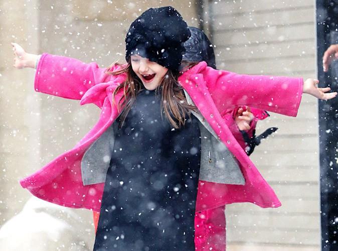 Suri Cruise : le retour de la neige à New-York, elle adore ça !