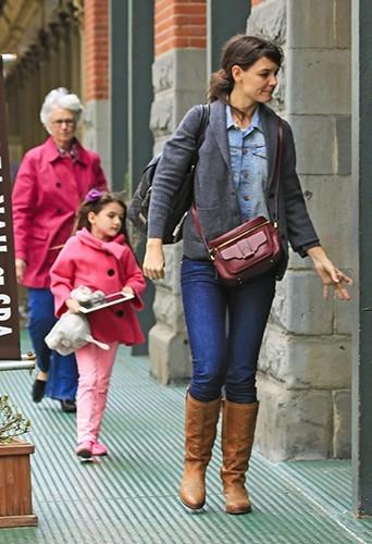 Suri Cruise et Katie Holmes à New-York le 20 avril 2013