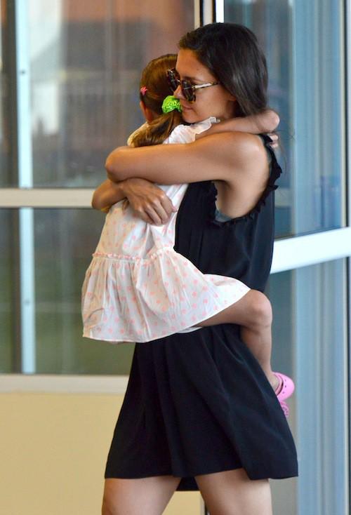 Photos : Suri Cruise : un petit koala dans les bras de Katie Holmes !