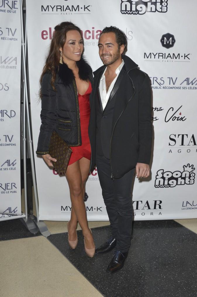 Photos : Tara Damiano : sexy et rouge passion, elle débarque au bras du docteur Benjamin Azoulay !