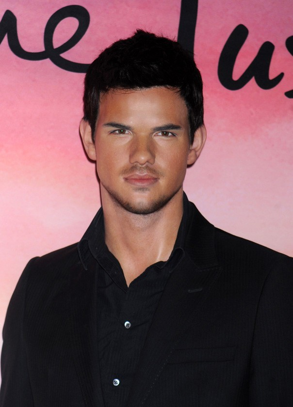 Taylor Lautner en version statue de cire !