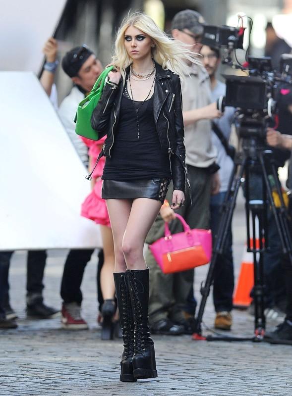 Taylor Momsen en tournage à New York, le 9 avril 2013.