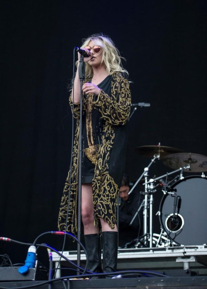 Taylor Momsen : une beauté rock'n'roll assagie qui envisage de se