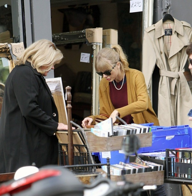 Taylor Swift et sa mère, Londres, 4 octobre 2012.