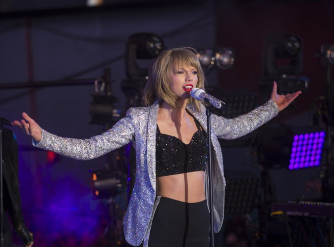 Photos : Taylor Swift : grosse chute au concert de l'année !
