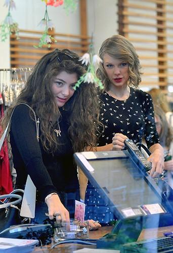 Taylor Swift et Lorde à Los Angeles le 23 février 2014