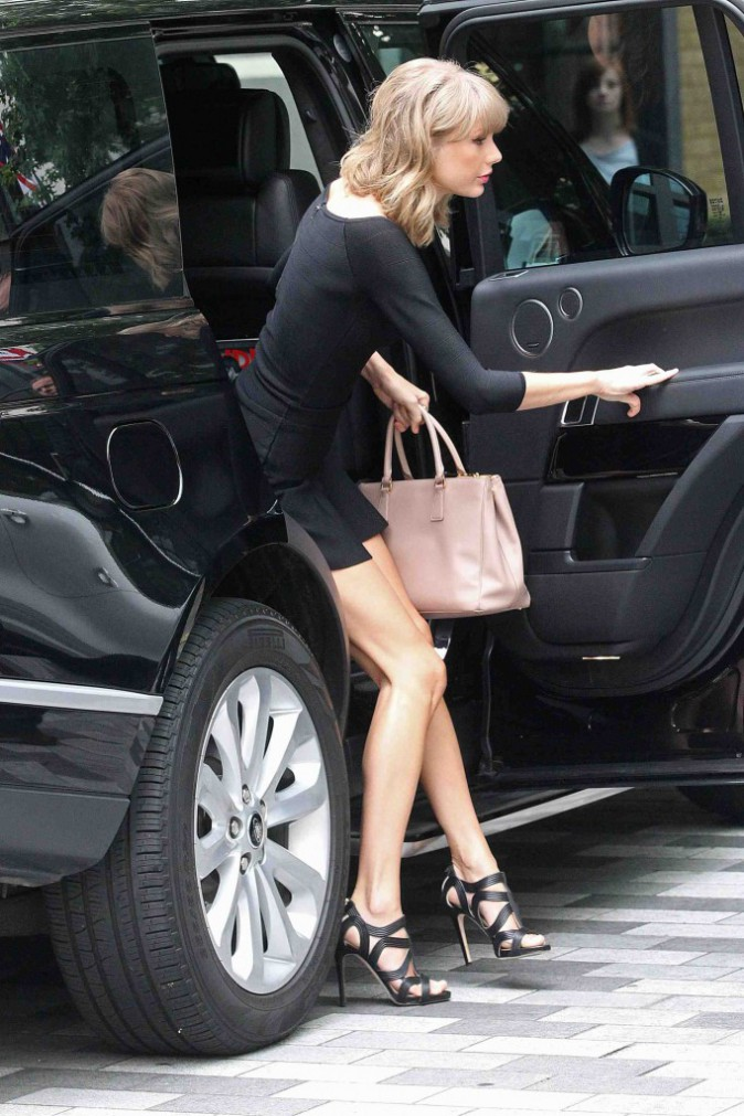 Taylor Swift : mini mini mini la jupe !