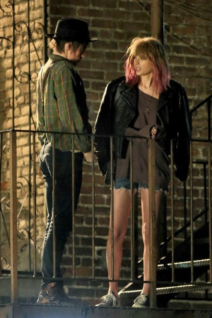Taylor Swift sur le tournage de son nouveau clip le 18 novembre 2012 à Los Angeles