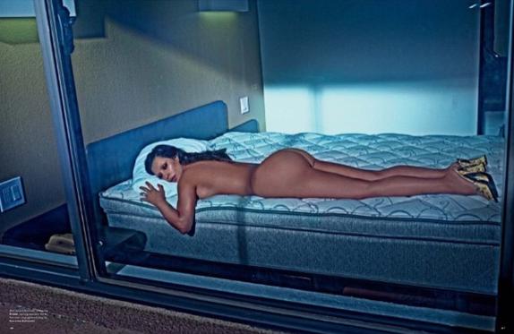 Photos : Taylor Swift : sa beauté éclipse les fesses de Kim Kardashian !