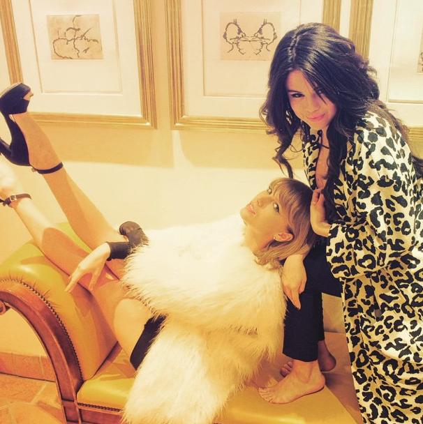 Photos : Taylor Swift, Selena Gomez, Ellie Goulding… Entre filles pour la journée de la femme !