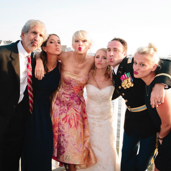 Photos : Taylor Swift : un mariage surprenant...