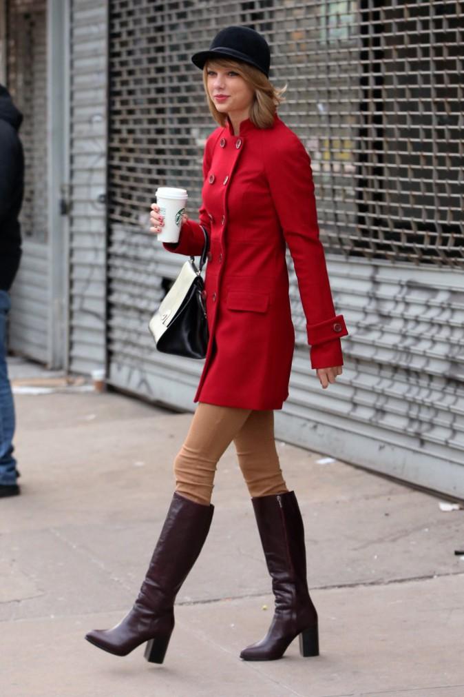 """Photos : Taylor Swift : une cavalière branchée et aux petits soins pour un mystérieux """"Bryan""""..."""