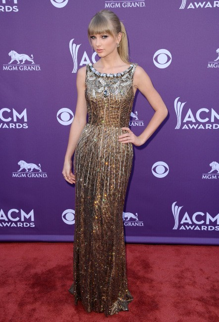 Taylor Swift sur le tapis rouge des ACM Awards 2013 à Las Vegas, le 7 avril 2013.