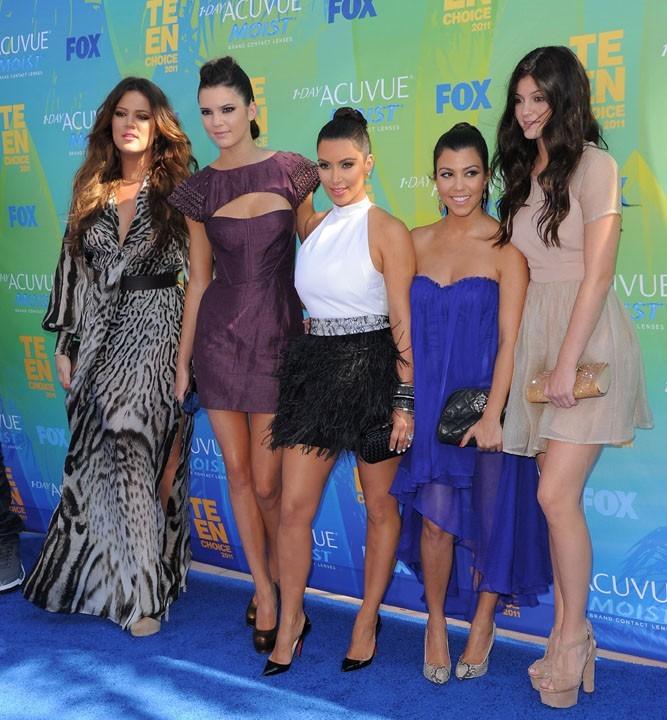 Les Soeurs Kardashian lors des Teen Choice Awards 2011 à Los angeles, le 7 août 2011.