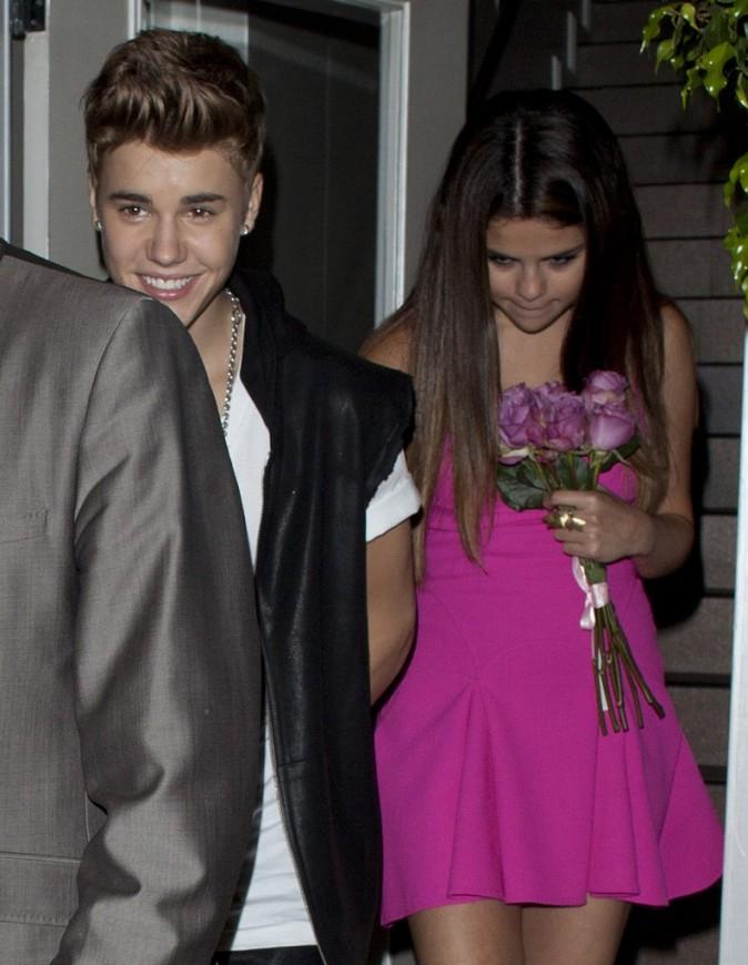 Justin Bieber et Selena Gomez à la sortie du restaurant II Cielo à Beverly Hills, le 22 juillet 2012.