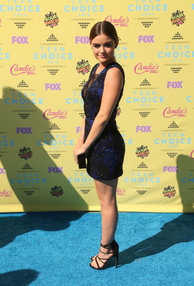 Lucy Hale le 16 août 2015