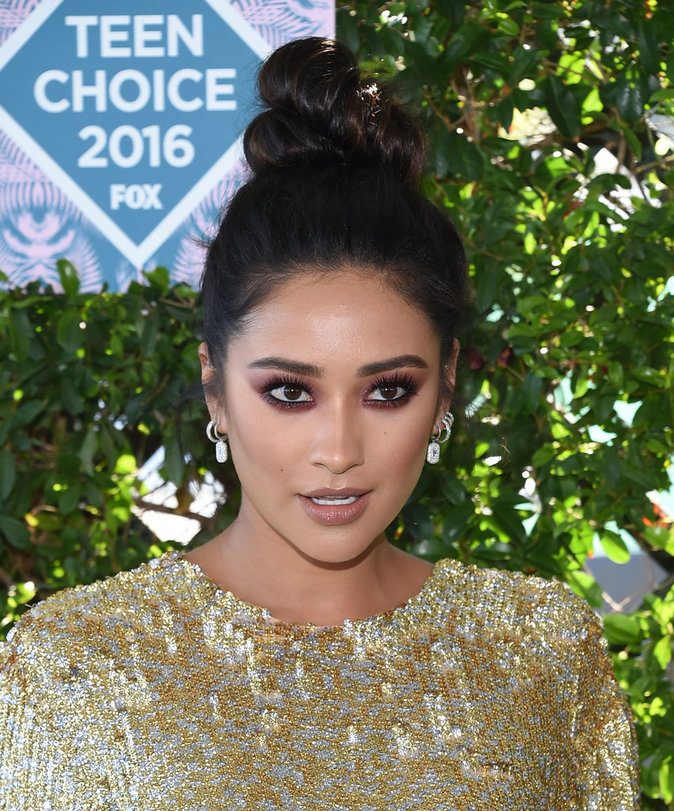 Shay Mitchell aux Teen Choice Awards 2016