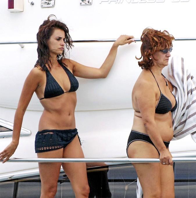 Penélope Cruz et sa mère à la plage : 21 ans etquelquespaellasd'écart !