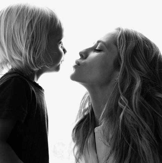 Photos : Teresa Palmer attend son deuxième enfant !