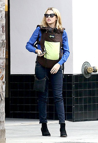Teresa Palmer à Los Angeles le 26 février 2014
