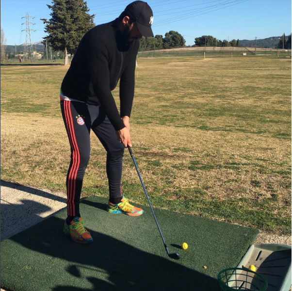 Photos : Thomas Vergara s'essaye au golf !