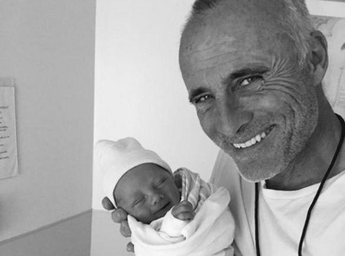 Tim V. Murphy, papa pour la première fois à 55 ans