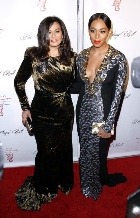 Tina et Solange Knowles à l'Angel Ball de New-York le 22 octobre 2012