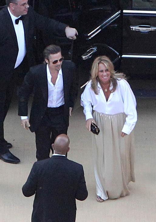 Brad Pitt n'a même pas enfilé une cravate pour l'occasion !