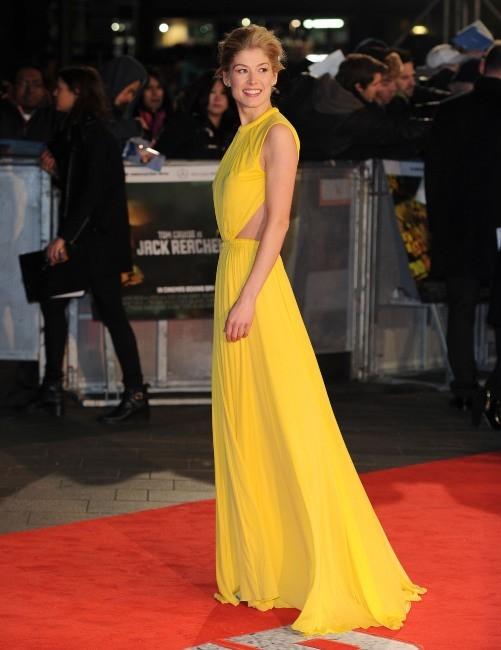 Rosamund Pike le 10 décembre 2012 à Londres