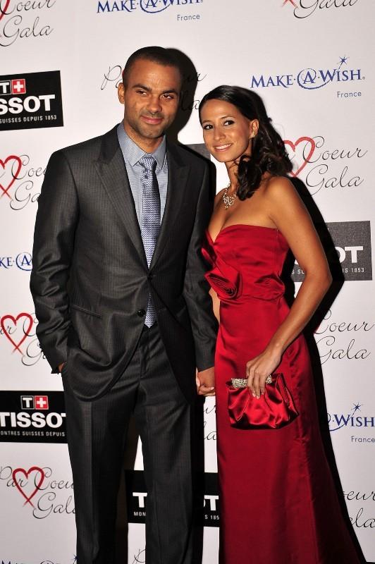 Tony Parker et sa compagne Axelle lors de la 7e édition du Par Coeur Gala à Lyon, le 20 septembre 2012.