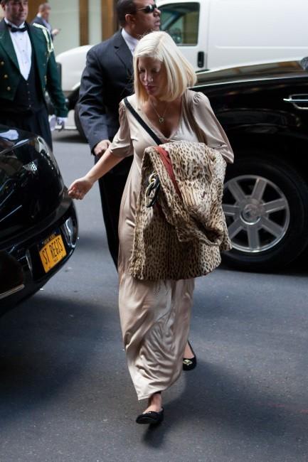Tori Spelling en virée à New York, le 5 avril 2012.
