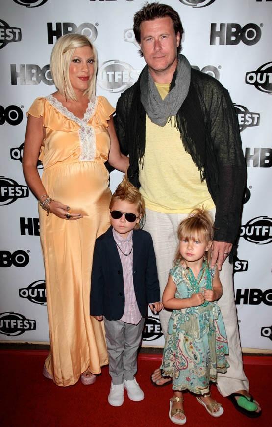 Tori Spelling, jamais fatiguée malgré le bébé qui va arriver ?