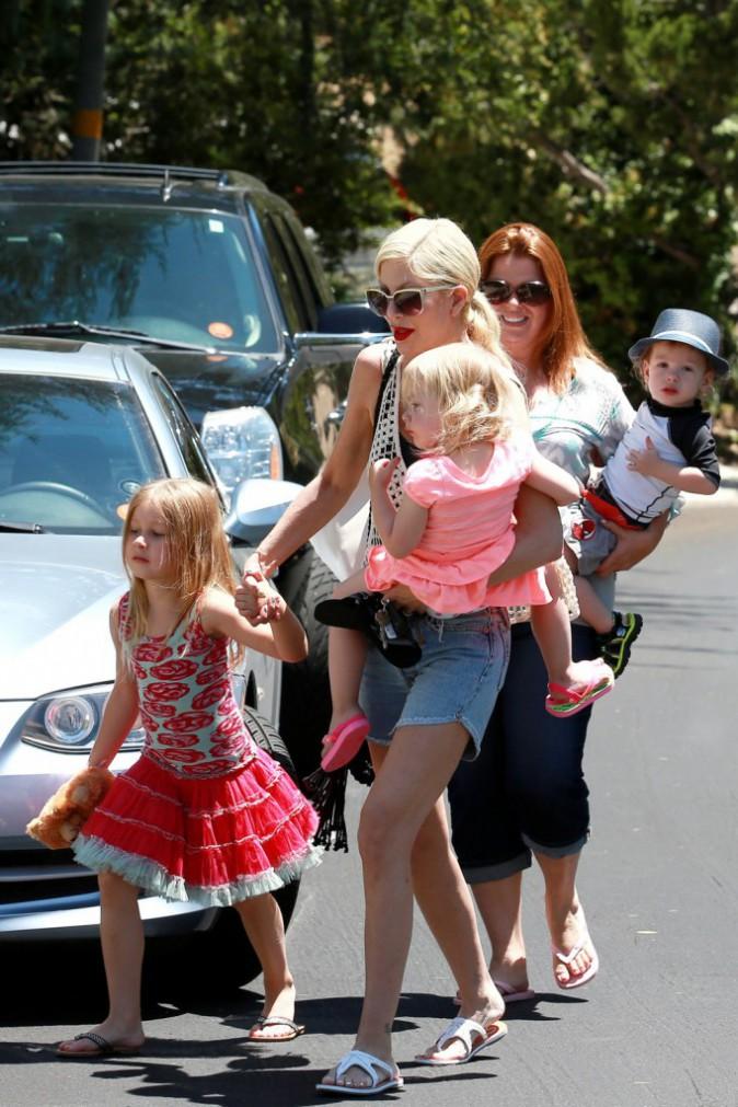 Photos : Tori Spelling : une maman toujours aussi aimante et attentionnée envers ses enfants !