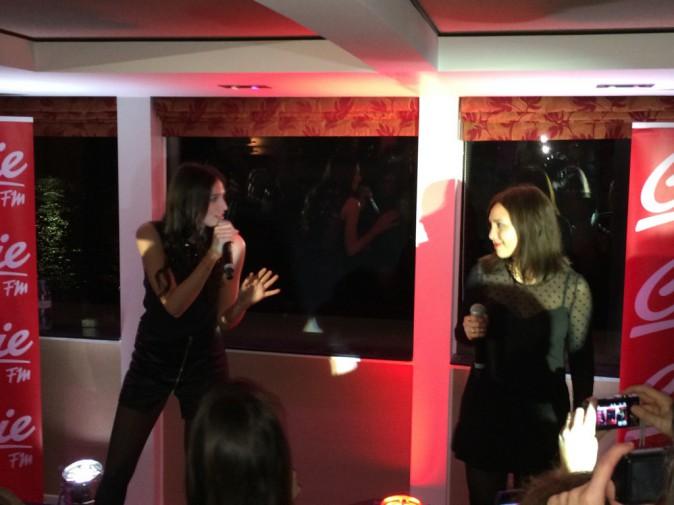 Pauline et Leslie lors de la tournée Pop Love Chérie fm à Paris, le 29 janvier 2013.