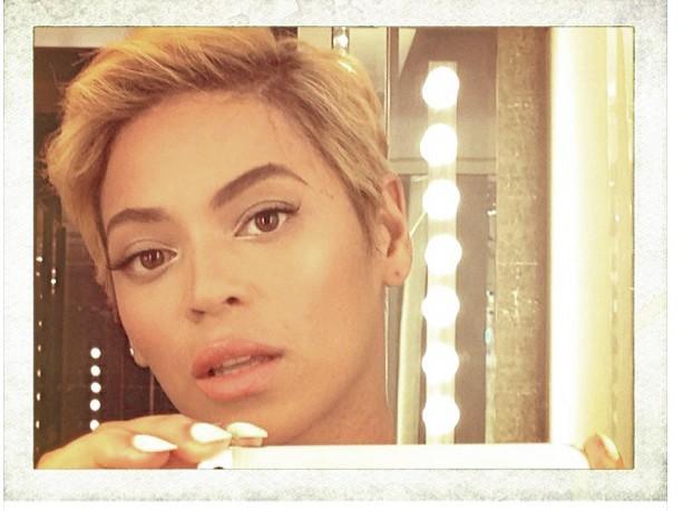 Quand Queen B devient King B. Le temps d'un selfe.