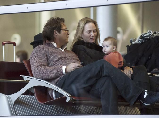 Arpad Busson, Uma Thurman et leur fille Luna à Paris, le 22 janvier 2013.